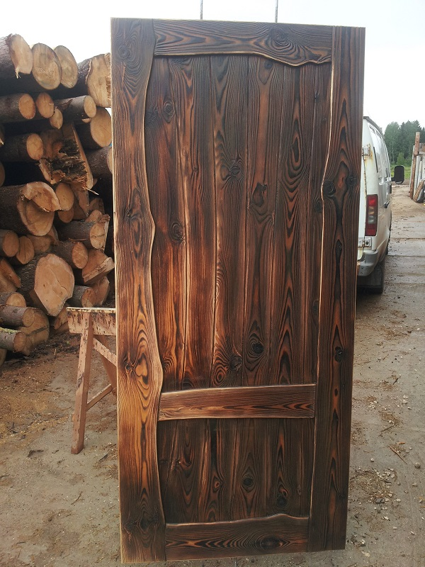 Как состарить деревянную дверь своими руками 76